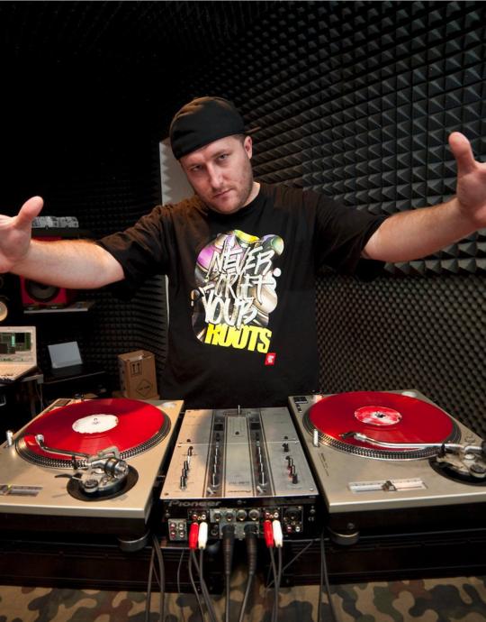 DJ FEEL-X